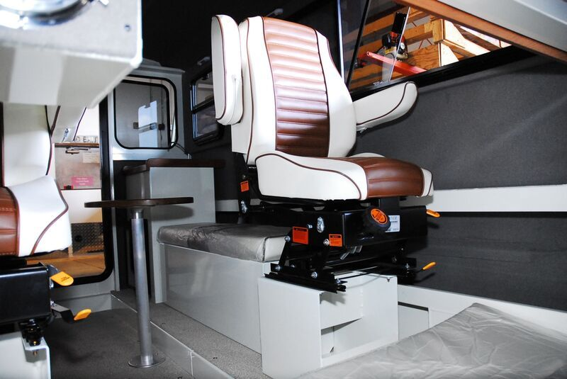 Super Sport Offshore Pilothouse 23'